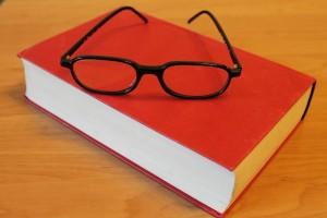 Livre lunettes plain